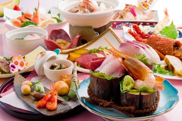 新鮮な魚介や島根和牛など、旬の食材たっぷりの特別メニューです。